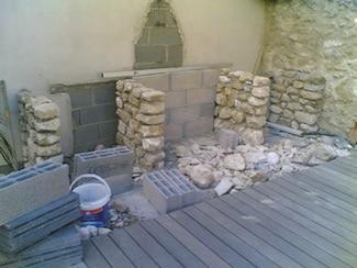 faire un barbecue en pierre