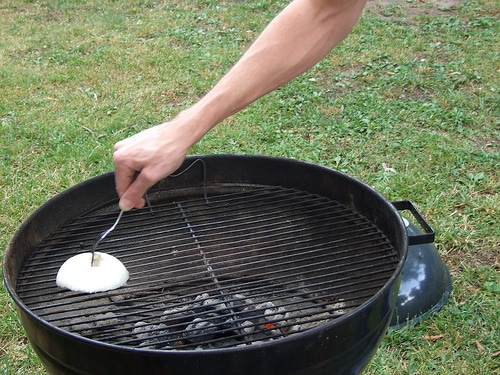 nettoyer grille barbecue